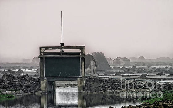 Chuck Kuhn - Foggy Mystic Vietnam