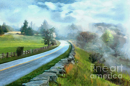 Dan Carmichael - Foggy Spring Morning in Doughton Blue Ridge Parkway AP
