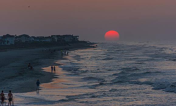 Folly Beach sunrise by Riddhish Chakraborty