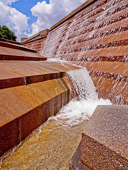 Fort Worth Fountains by Linda Unger
