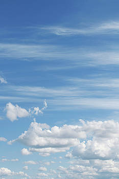 Fresh clouds by Les Cunliffe