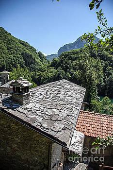 Richard Smukler - From Castelnuovo di Garfagnana to Pietrasanta #1