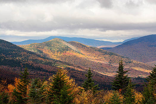 From the Pemigewasset Overlook by Nancy  de Flon