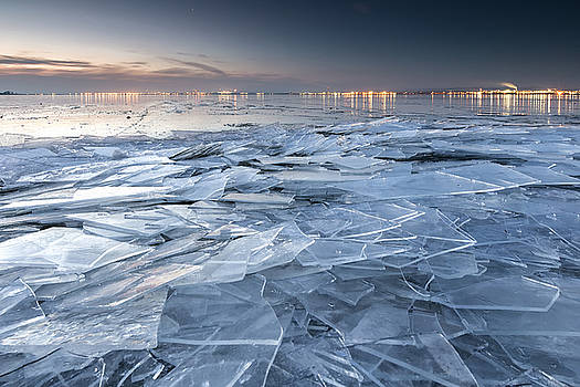 Frozen Town by Evgeni Dinev