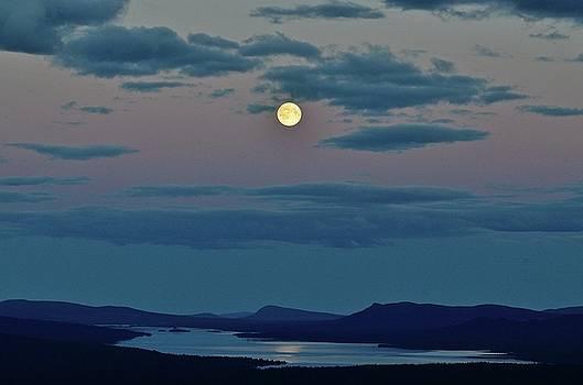 Full moon over lake Rappen by Peder Lundkvist
