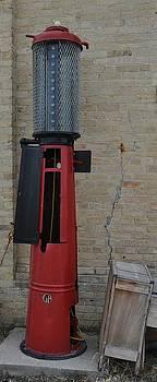 Daryl Macintyre - Gas Pump
