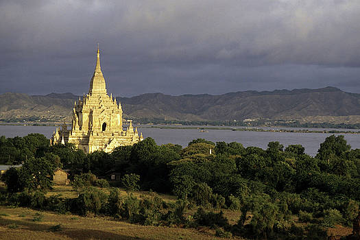 Sami Sarkis - Gawdawpalin Temple and historic pagodas at sunrise along the Irrawady River in Burma.