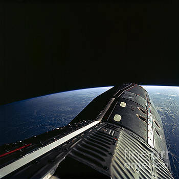 R Muirhead Art - GEMINI12 Shuttle Mission picture of the Gemini12 spacecraft during standup extravehicular activity