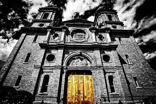Golden Door by Daniel Gundlach