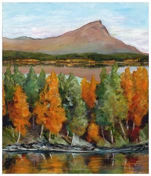 Golden  fall by Mona Davis