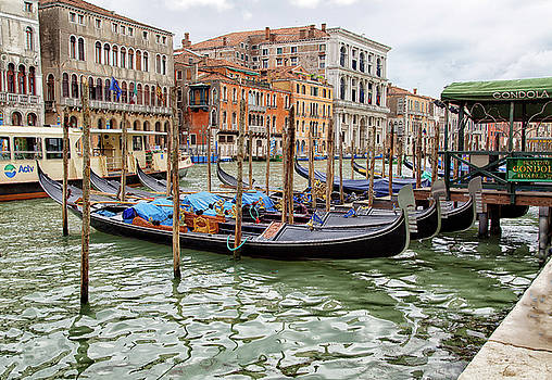Gondola parking along the Grand Canal by John Hoey