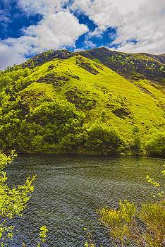 Green Mountain Green River by Steven Ainsworth