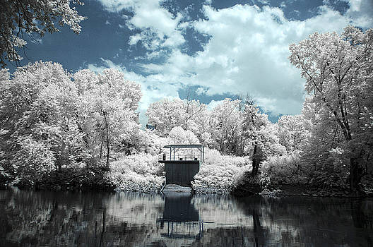 Green River IR by Amber Flowers