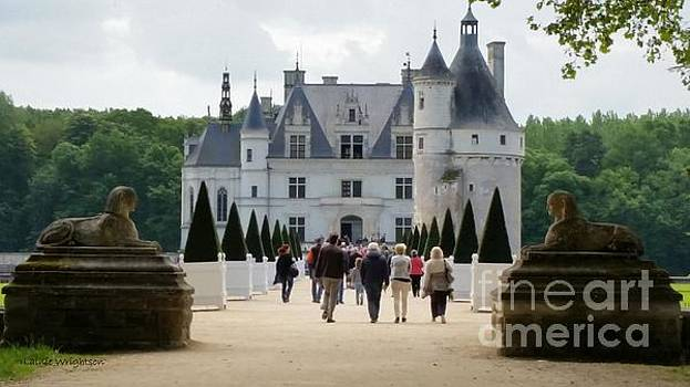 Guarding Chenonceau by Lainie Wrightson
