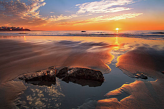 Hampton Beach Sunrise Bounce by Shelle Ettelson