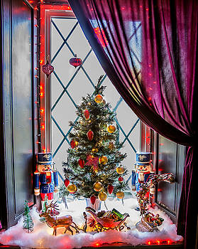 Holiday Window by Dan P Brodt Photography