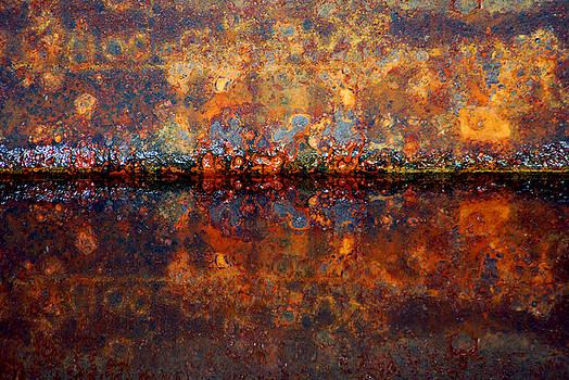 Horizontal Rust Reflect by Robert Goulet
