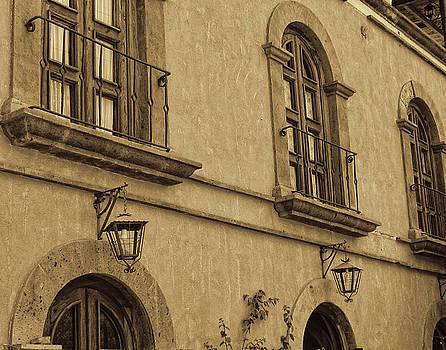 Marilyn Wilson - Hotel in Loreto - sepia