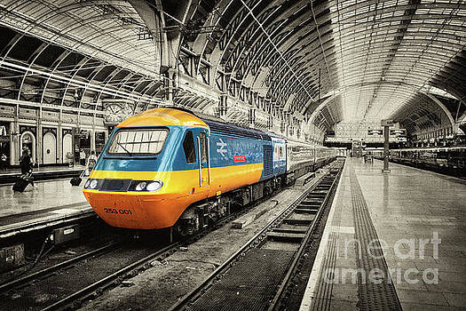 HST Paddington  by Rob Hawkins
