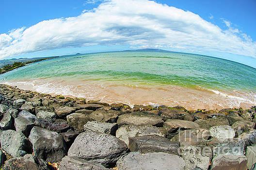 Huge Wikiki beach by Micah May