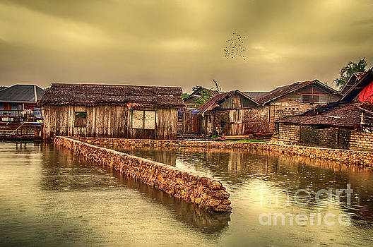 Huts 2 by Charuhas Images