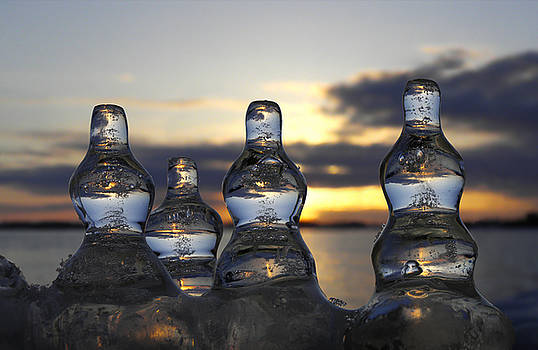 Ice and Water 3 by Sami Tiainen