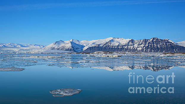 Ice lagoon 2 Iceland by Chris Thaxter