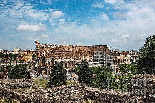 il Colosseo by Joseph Yarbrough