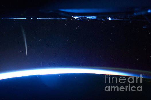 R Muirhead Art - International Space Station Comet Lovejoy is visible near Earths horizon