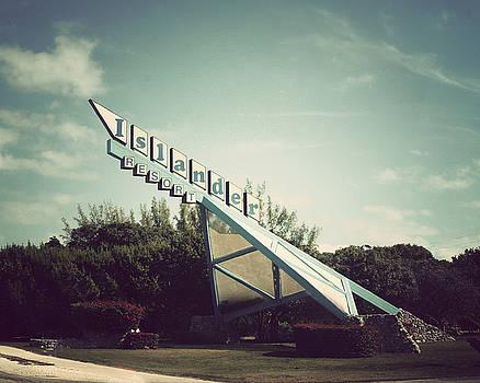 Islander Resort by Ken Reardon