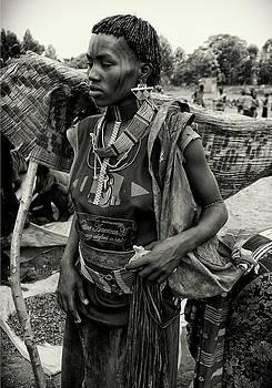 Key Afar Market Woman by Nichon Thorstrom