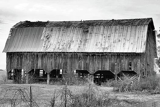 Kings Highway Barn II by Troy  Skebo