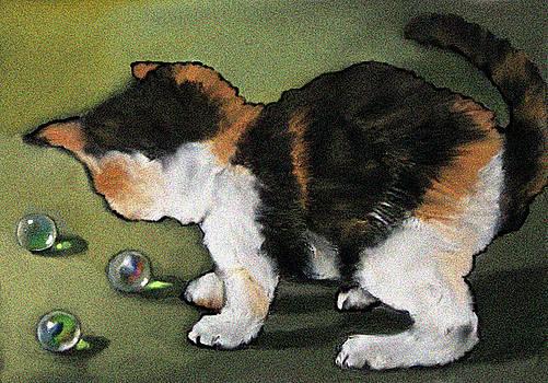 Joyce Geleynse - Kitten Playing with Marbles