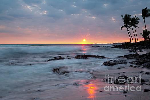 Charmian Vistaunet - Kona Beach Sunset