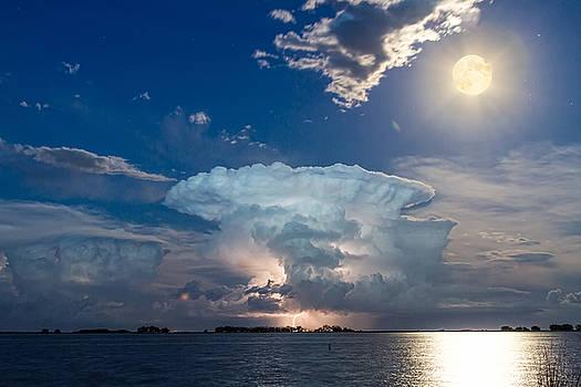 James BO  Insogna - Lake Lightning Thunderstorm Striking and Full Moon