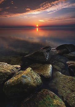 Lake St. Clair Sunstar by Cale Best