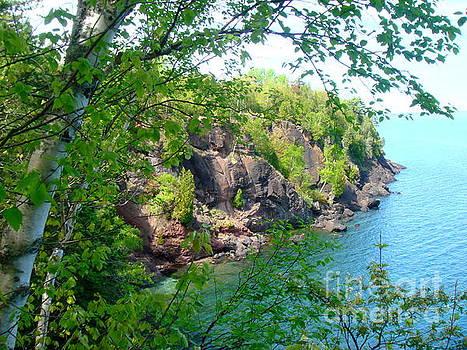 Lake Superior Beauty by Jaunine Roberts