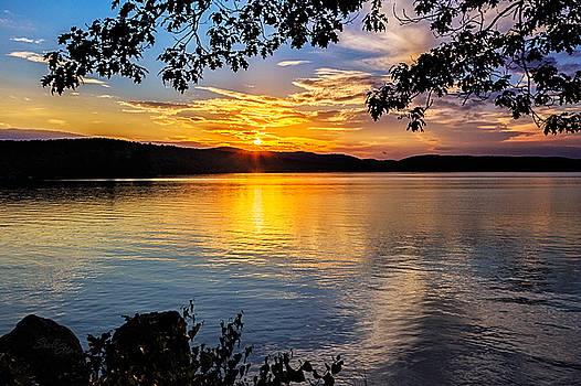 Lake Waukewan Sunset by Shelle Ettelson