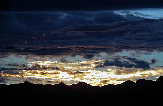 Las  Vegas  Sunset  Ii by Carl Deaville