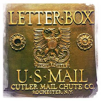 Letter box by Nina Prommer
