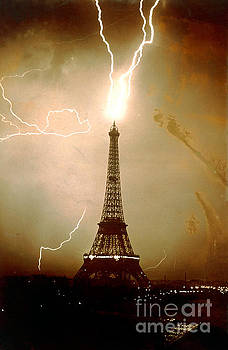JL Charmet - Lightning bolts striking the Eiffel Tower