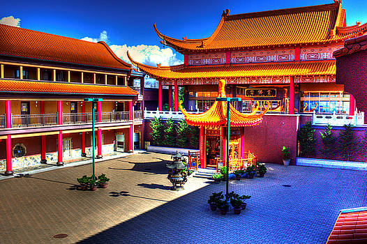 LAWRENCE CHRISTOPHER - LINGYEN MOUNTAIN TEMPLE 8