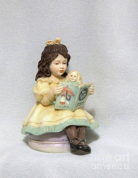 Little Miss Muffet by Linda Phelps