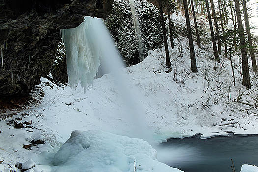 Little ponly tail falls by Jeff Swan