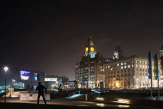 Liver building at night by Susan Tinsley