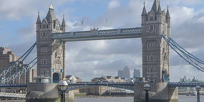 London Bridge by Emmanuel Varnas