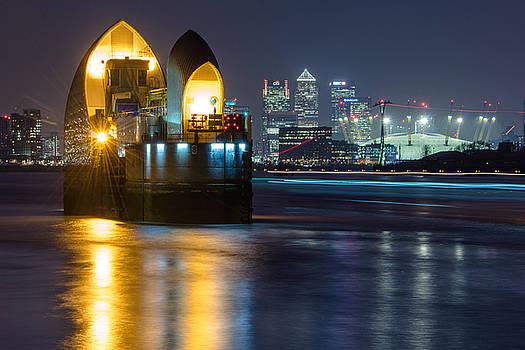 London Gateway by James Evans