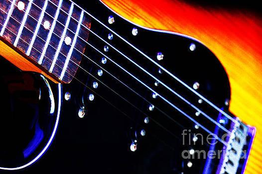 Lone Guitar by Baggieoldboy