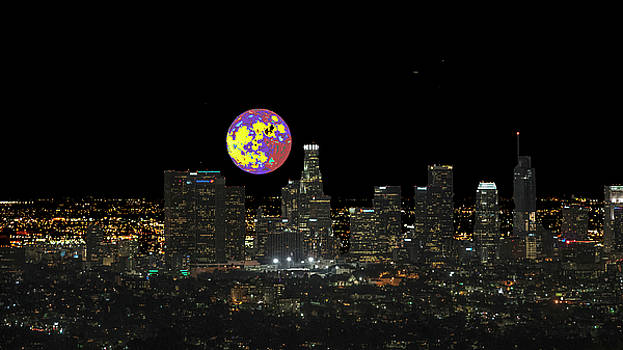 Los Angeles And The Super Alien Moon by Kenneth James
