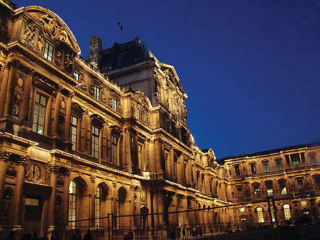 Louvre in the Evening by Rhianna Wurman